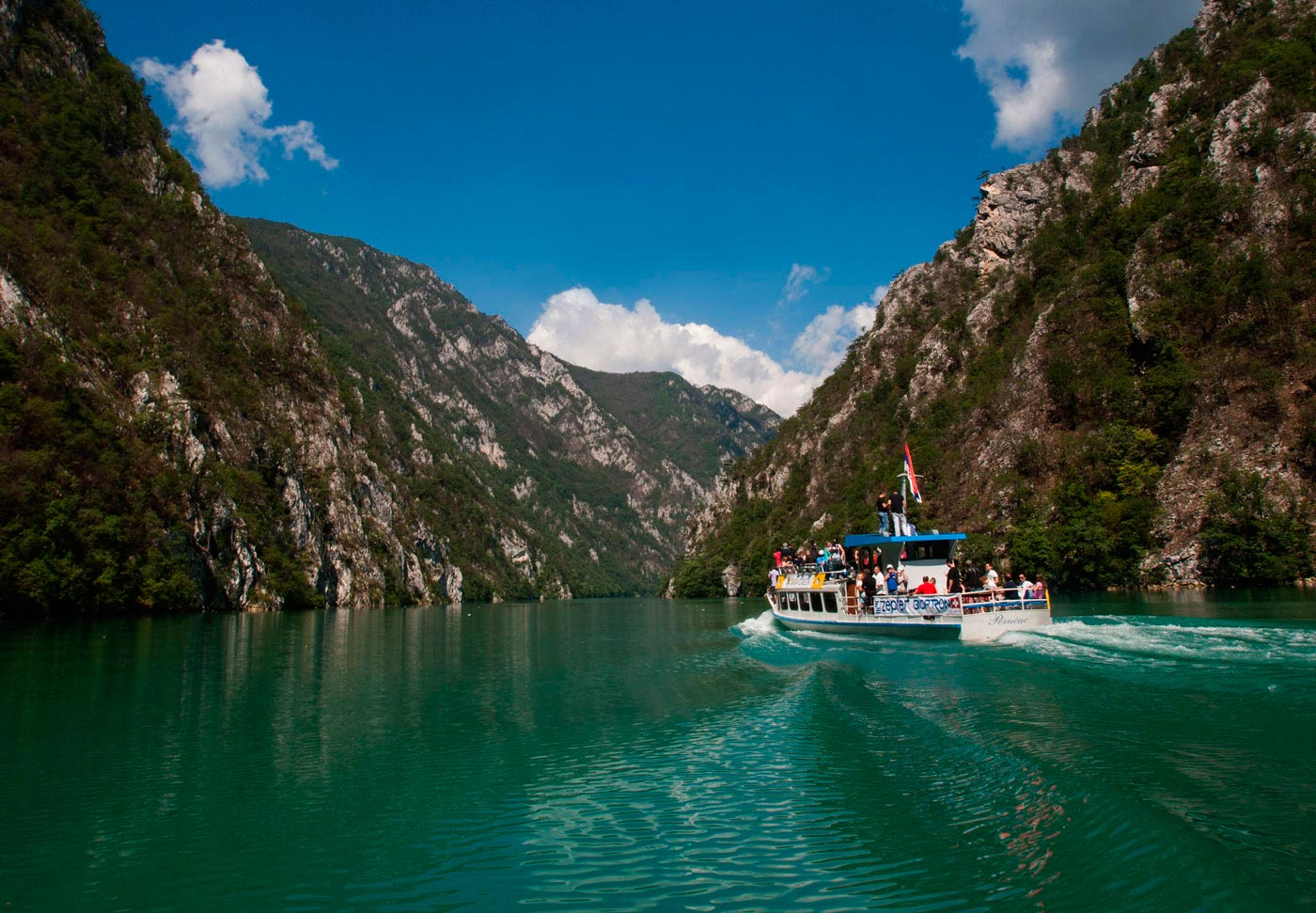 Drina River Rafting and its gorgeous surroundings