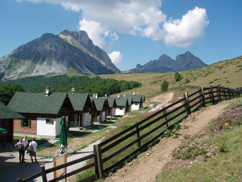 Eko Katun Štavna – turističko naselje Komovi