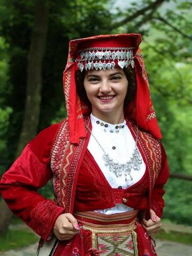 albanian-girl-self-hot-wife-captions-gif-porn