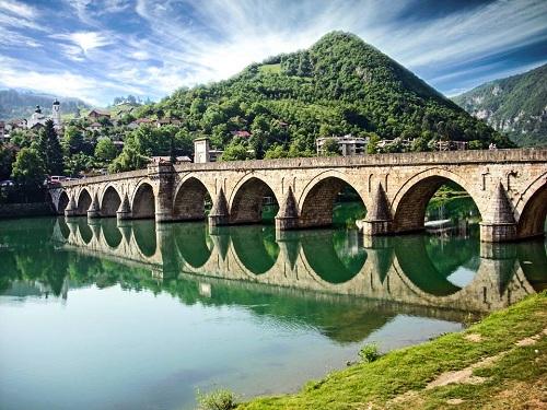 Rezultat slika za andricgrad i most mehmed pase sokolovica