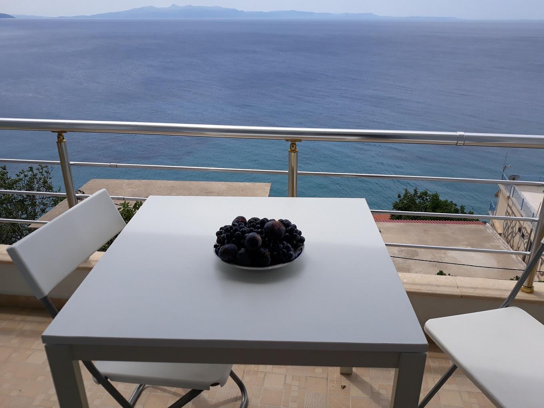Blue Sea Apartments Qeparo