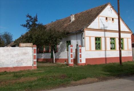 Maradik Ethno House Maradik