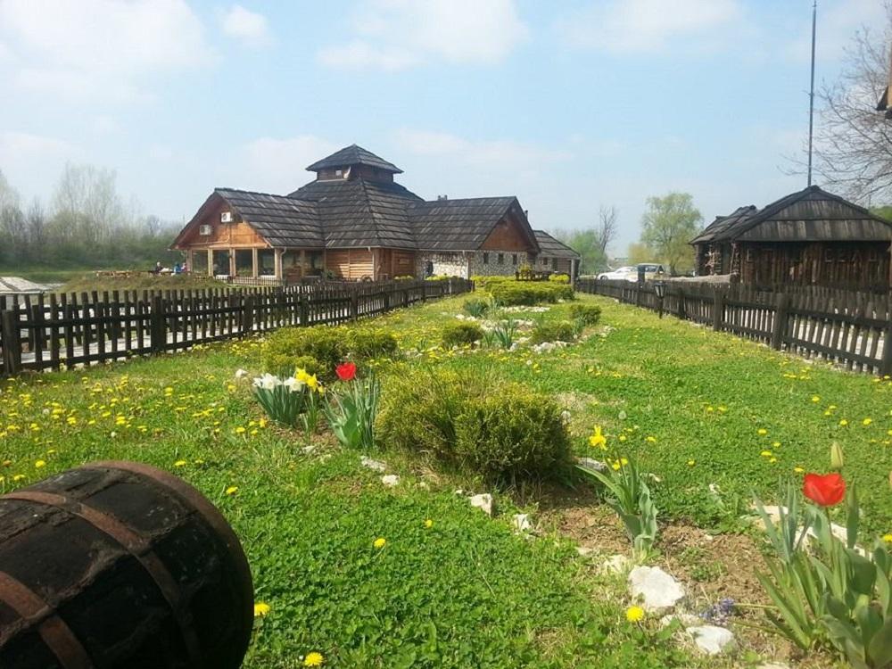 Moravski Konaci Ethno Village Velika Plana
