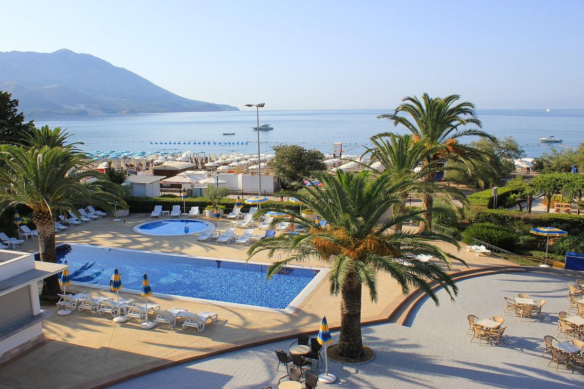 Stary Beach Resort