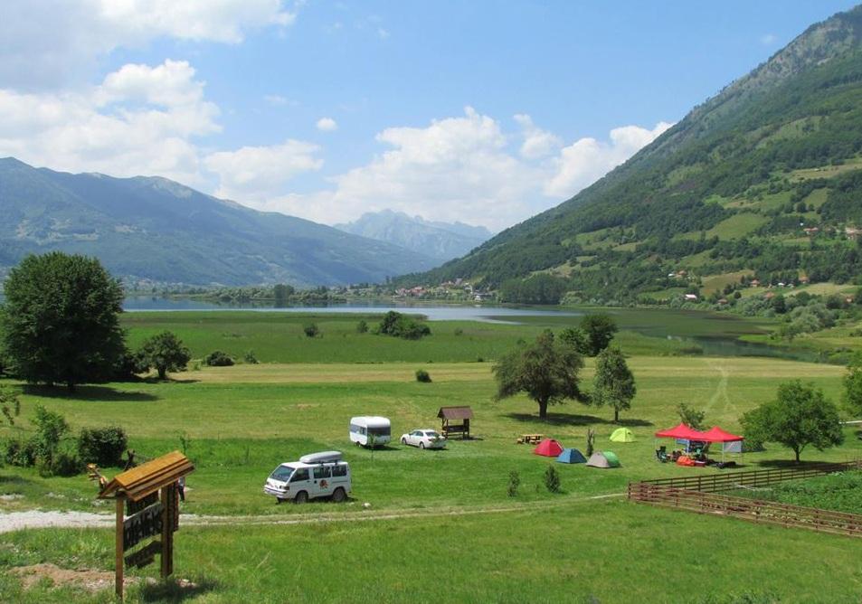 Lake Views rooms and camp Plav Lake