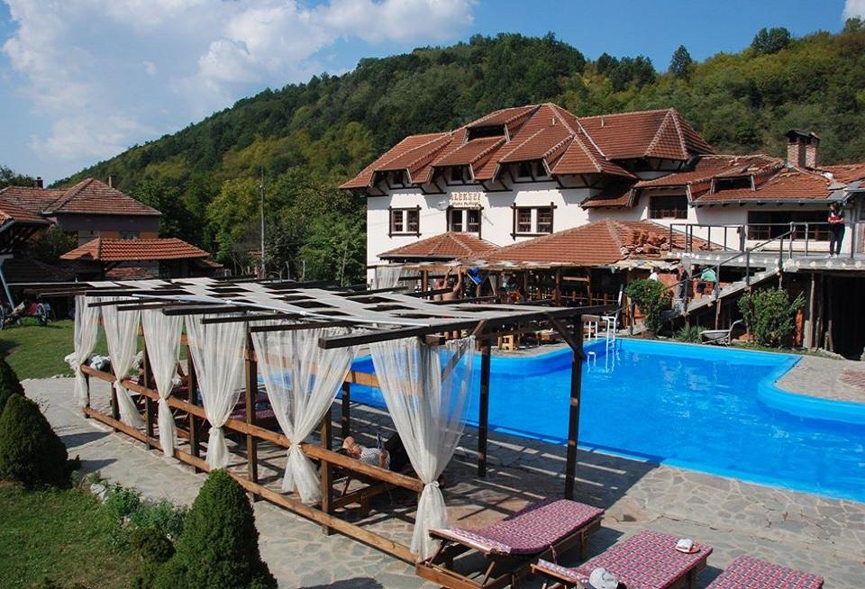 Srna Traditional tourist complex Inovo village Stara Planina