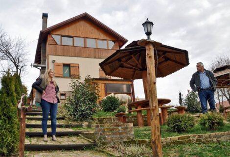 Fruškogorska lugarnica – prenoćište i restoran Mala Remeta Irig